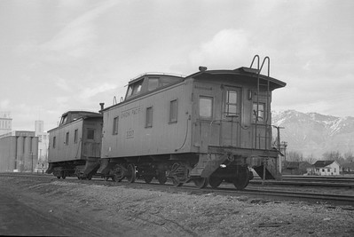 UP-cabooses_Ogden_Mar-20-1949_Emil-Albrecht-photo-0284-rescan