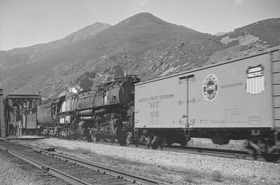 UP_F7_1458-with-train_Mountain-Green_Sep-1949_003_Emil-Albrecht-photo-0297-rescan