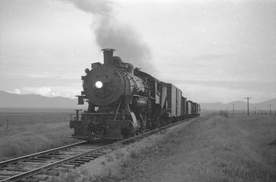UP_2-8-0_617-with-train_near-Malad_Aug-5-1950_002_Emil-Albrecht-photo-0271-rescan