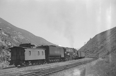 UP_4-8-8-4_4019-with-train_Gateway_Aug-25-1951_004_Emil-Albrecht-photo-0277-rescan