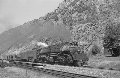 UP_4-8-8-4_4019-with-train_Gateway_Aug-25-1951_001_Emil-Albrecht-photo-0277-rescan