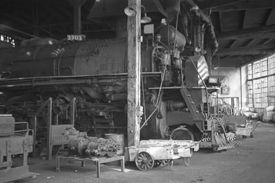 D&RGW_Salt-Lake-roundhouse_June-14-1951_005_Emil-Albrecht-photo-0275-rescan