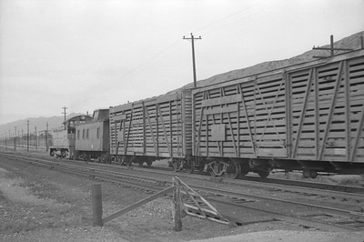 UP_NW2_1005-with-train_Becks_June-3-1951_002_Emil-Albrecht-photo-0275-rescan