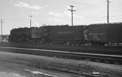 UP_4-6-6-4_3833-with-train_Ogden_May-14-1951_003_Emil-Albrecht-photo-0273-rescan