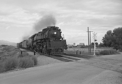 UP_4-6-6-4_3802-with-train_near-Montpelier_Aug-26-1952_001_Emil-Albrecht-photo-0279-rescan
