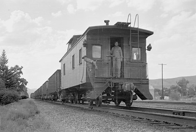 UP_2-8-2_2713-with-train_Morgan_Aug-25-1953_003_Emil-Albrecht-photo-0313