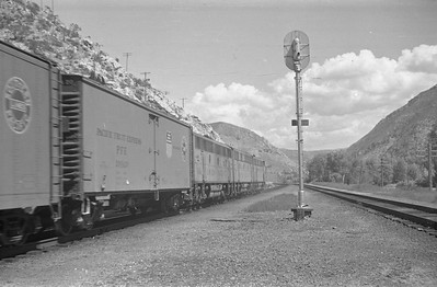 UP-train_Taggart_Aug-26-1953_002_Emil-Albrecht-photo-0312