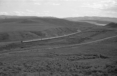 UP-train-westbound_Echo-canyon_Aug-26-1953_Emil-Albrecht-photo-0415
