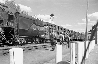 UP_2-10-2_5509-with-train_Soda-Springs_Aug-22-1953_001_Emil-Albrecht-photo-0305