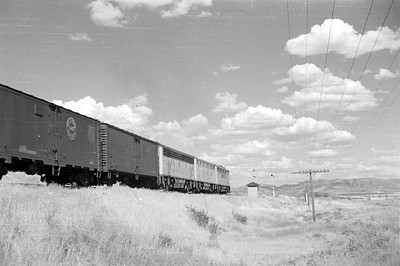 UP_F3_1426-with-train_near-Bancroft_Aug-22-1953_002_Emil-Albrecht-photo-0305
