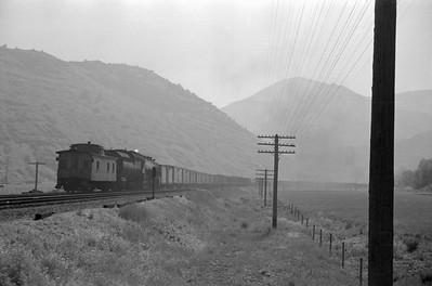 UP_4-6-6-4_3990-with-train_Round-Valley_Jun-21-1953_005_Emil-Albrecht-photo-0304-rescan