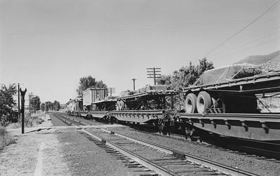 UP_GP9s-with-train_Farmington_Emil-Albrecht-photo-5x7