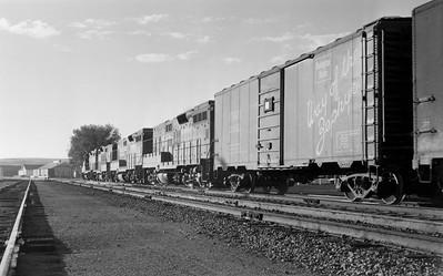 UP_GP9s-with-train_Evanston_002_Emil-Albrecht-photo-5x7