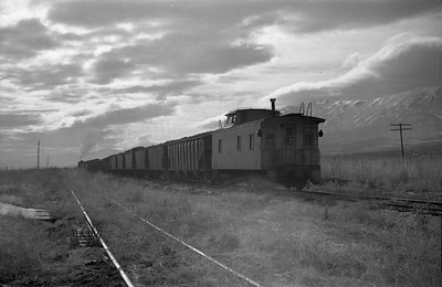 UP_2-8-0_573-with-train_Petersboro-Utah-002_Emil-Albrecht-photo-0400