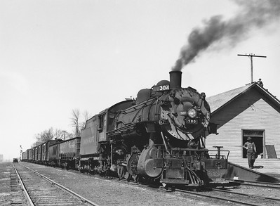 UP_2-8-0_580-with-train_Logan_Apr-12-1947_002_Emil-Albrecht-photo-11x14