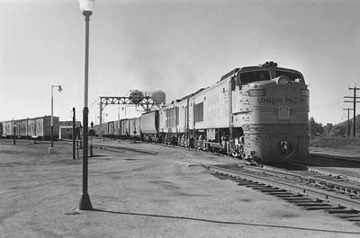 UP_GTE_1-with-train_Evanston_Aug-22-1959_001_Emil-Albrecht-photo-5x7