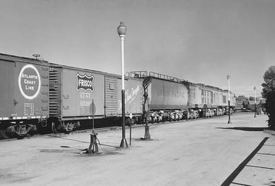 UP_GTE_1-with-train_Evanston_Aug-22-1959_003_Emil-Albrecht-photo-5x7