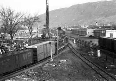 D&RGW northbound train passing through Grant Tower in 1971. Note that the North Temple Street viaduct is under construction. (Don Strack Photo)