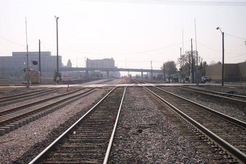 #00 North crossing, looking south, October 29, 2007. (Don Strack Photo)