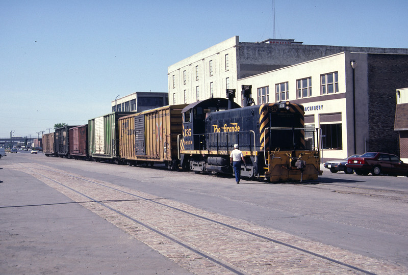 D&RGW SW1200 no. 135 on the old WP passenger lead along 5th West Street (500 West), leading to Salt Lake City Union Station. June 1986. (Don Strack Photo)