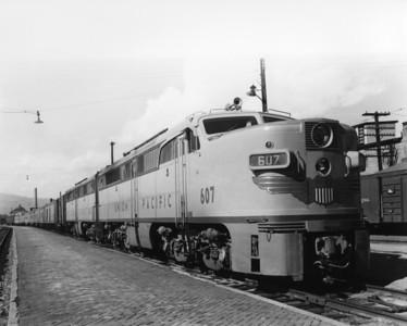 up-607_PA-1_with-train_butte-montana_aug-1955_jim-shaw-photo
