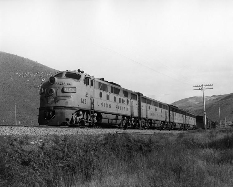 up-1451_F3_with-train_huntington-oregon_sep-1959_jim-shaw-photo