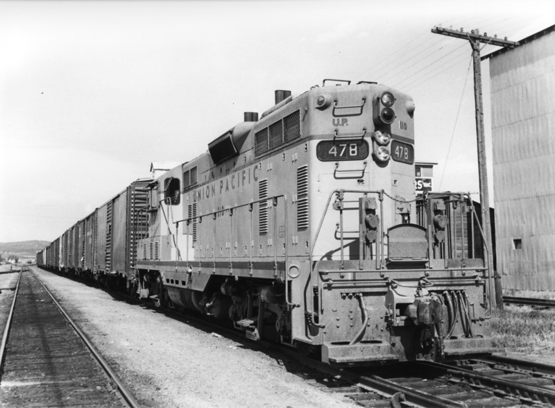 up-110_GP7_with-train_ashton-idaho_aug-1954_jim-shaw-photo