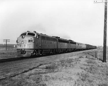 up-1471_F7_with-train_limon-colorado_aug-1957_jim-shaw-photo