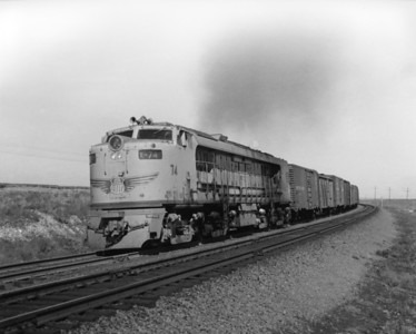 up-74_GTEL_with-train_bosler-wyoming_aug-1957_jim-shaw-photo