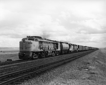 up-73_GTEL_with-train_bosler-wyoming_aug-1956_jim-shaw-photo
