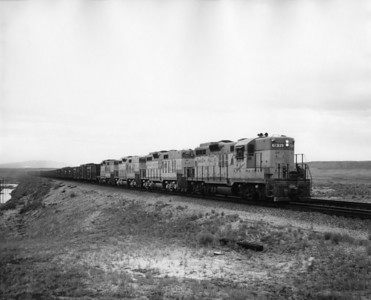 up-329_GP9_with-train_rock-springs_aug1961_jim-shaw-photo
