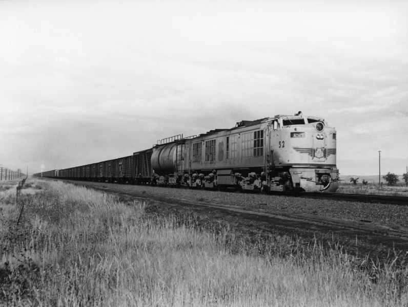 up-52_GTEL_with-train_ogalala-nebraska_aug-1956_jim-shaw-photo