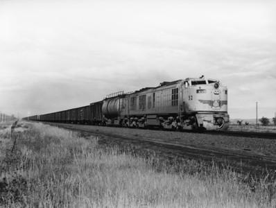 up-52_GTEL_with-train_ogalala-nebraska_aug-1956_jim-shaw-photo