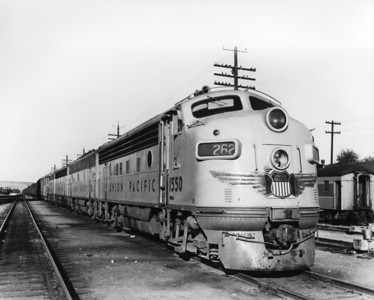 up-1550_F3_with-train_glens-ferry-idaho_jim-shaw-photo