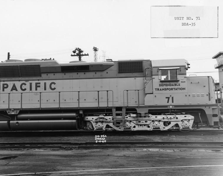 EMD DDA35 truck. (UP Photo; Warren Johnson Collection)