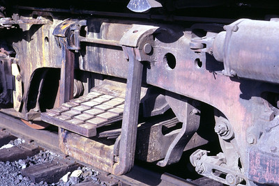 Detail view of the swing hanger on an EMD Blomberg truck, as used on D&RGW GP9 5931. Salt Lake City, May 1983. (Don Strack Photo)
