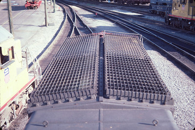 SP SD40T-2 8332, radiator top view. August 1984. (Don Strack Photo)