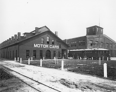 UP_Motor-Car_10_at-McKeen-factory_Omaha_UPRR-photo
