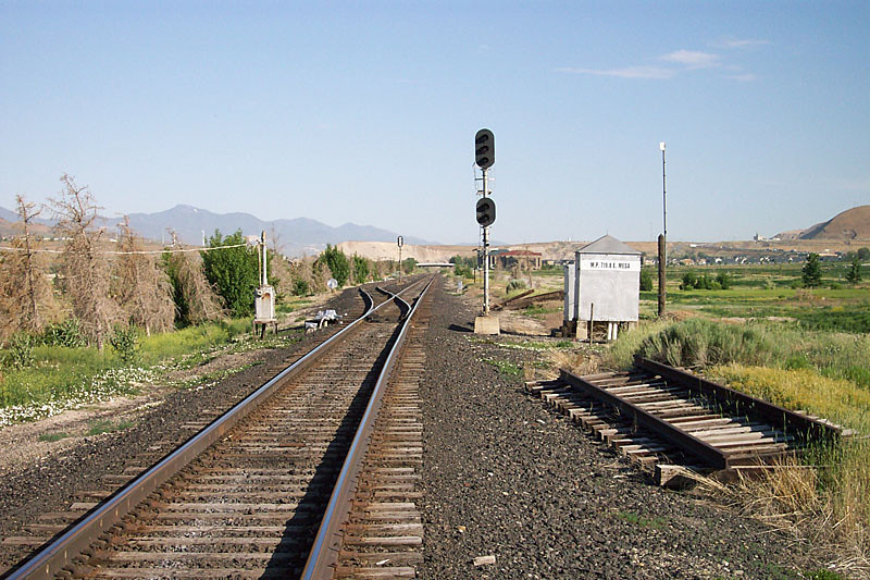 Looking north (railroad west) at the east end of D&RGW Mesa siding. April 30, 2006. (Don Strack Photo)