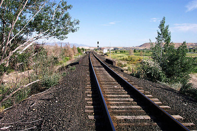 Looking north (railroad west) above the UP bridge. April 30, 2006. (Don Strack Photo)