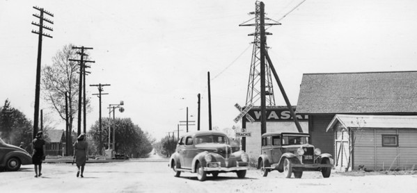 Woods Cross, looking west along 5th South; UP (OSL) depot on the right. June 1939.