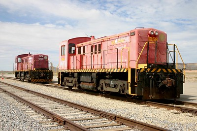 OHFX 1250 and 1258 at Crescent Junction, Utah. September 2012. (Bob Lehmuth Photo)