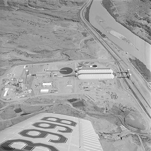 Texas-Gulf-Sulphur-Moab-plant_Sep-3-1963_Salt-Lake-Tribune-photo_USHS-10274-5