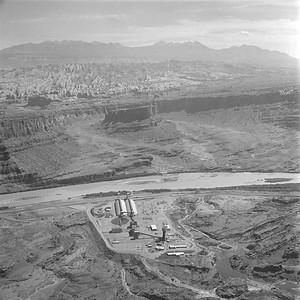 Texas-Gulf-Sulphur-Moab-plant_Sep-3-1963_Salt-Lake-Tribune-photo_USHS-10274-22