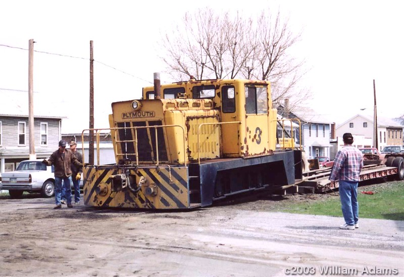 Plymouth_CR-4_Jones-Laughlin_unloading
