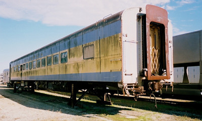 RBBX 42023, ex-UP 5443, still in Alaska RR paint. (Rhett Coates Photo)