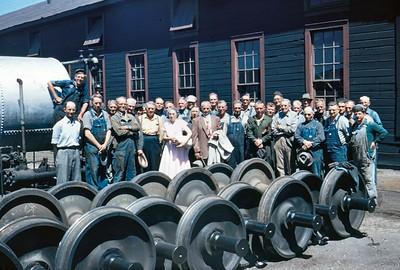 sp-ogden-car-shop-crew-1_1953_Roger-Kingsford-photo