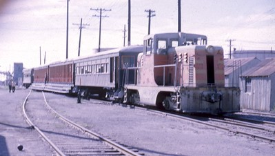 SLGW_excursion-train_color_Gordon-Cardall-collection