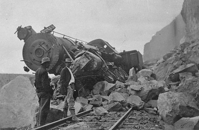 Salt-Lake-Route_3415-wreck-near-Farrier_1911_02