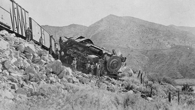 Salt-Lake-Route_3656-wreck-at-Stine-1917_01